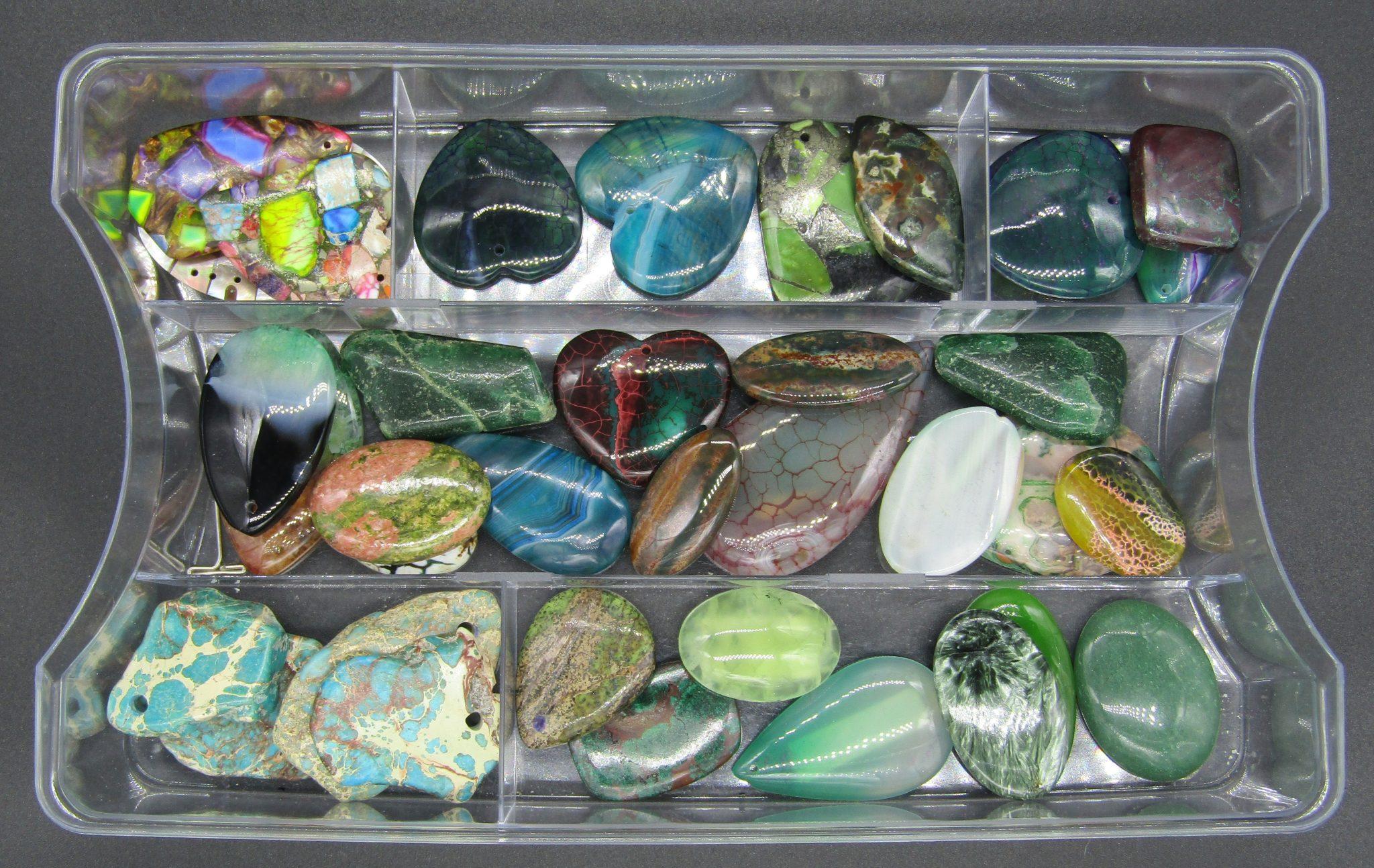 mon addiction- des pierres gemmes-en dégradé de verts