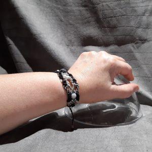 Femme- bracelet Lumière- nuit et neige sur obsidienne