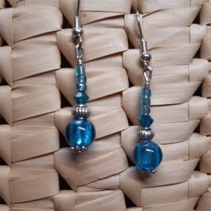 femme- bijou-paire de boucles d'oreille fantaisie-bleu turquoise