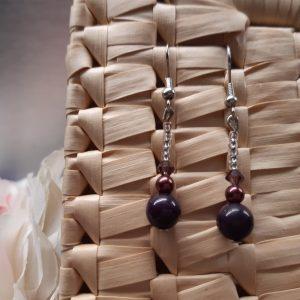 femme- bijou-paire de boucles d'oreille fantaisie-violet