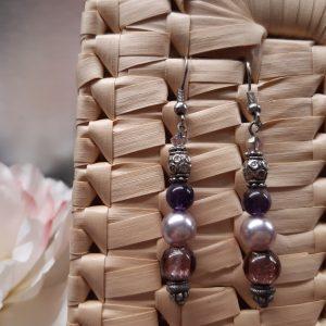 femme- bijou-paire de boucles d'oreille fantaisie- rose et violet