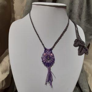 """femme bijoux collier en macramé """"hibou royal en violet"""""""