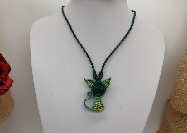 femme- bijou en macramé vert -CHAT Vert fête le printemps