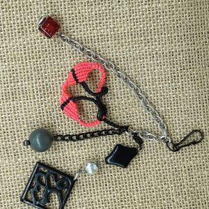 femme, accessoire bijou de sac fun 8